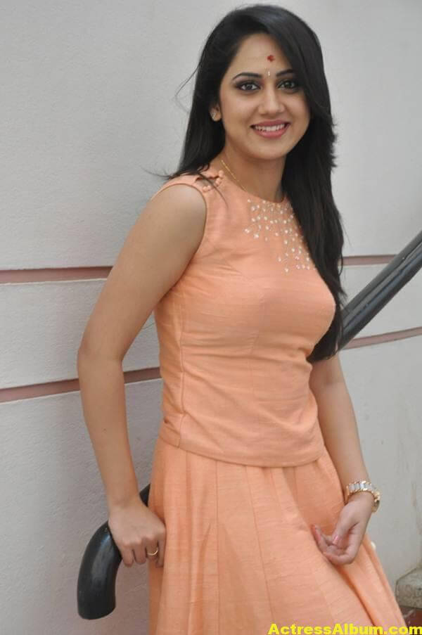 Miya George Stills In Pink Dress (3)
