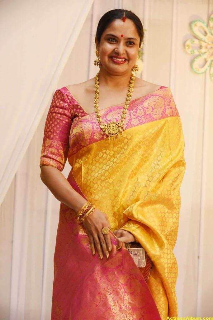 Movie Actress Pragathi Hot Photos In Yellow Saree 4