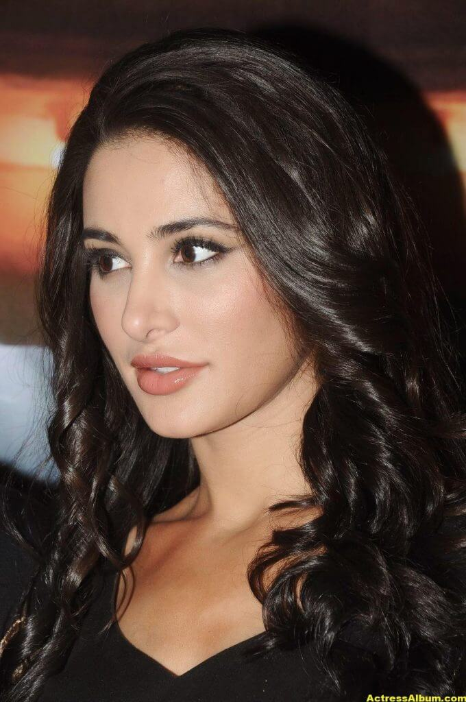 Nargis Fakhri Hot Photos In Black Dress 1