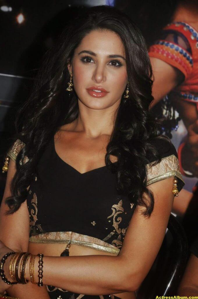 Nargis Fakhri Hot Photos In Black Dress 4