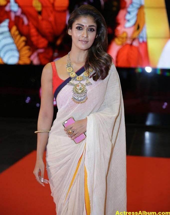 Nayanthara Photos In White Saree At SIIMA Awards (1)