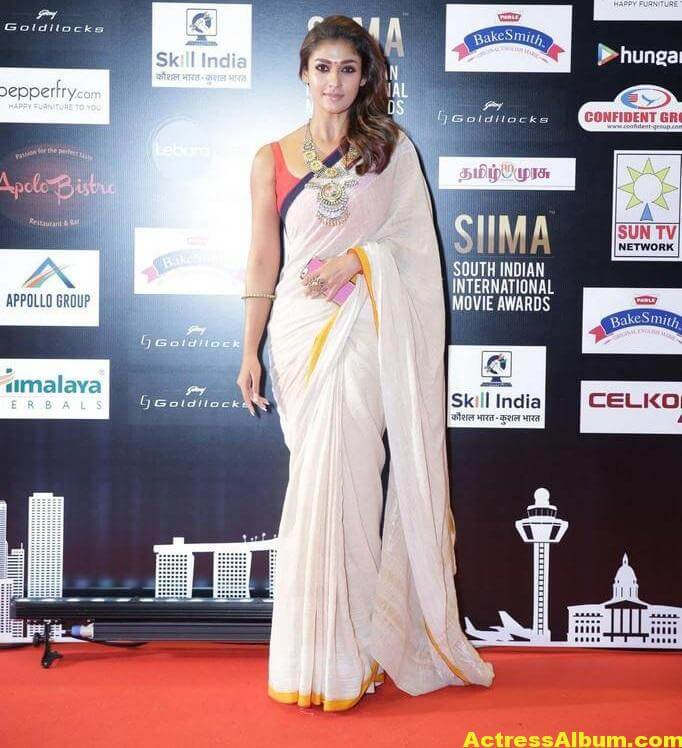 Nayanthara Photos In White Saree At SIIMA Awards (2)