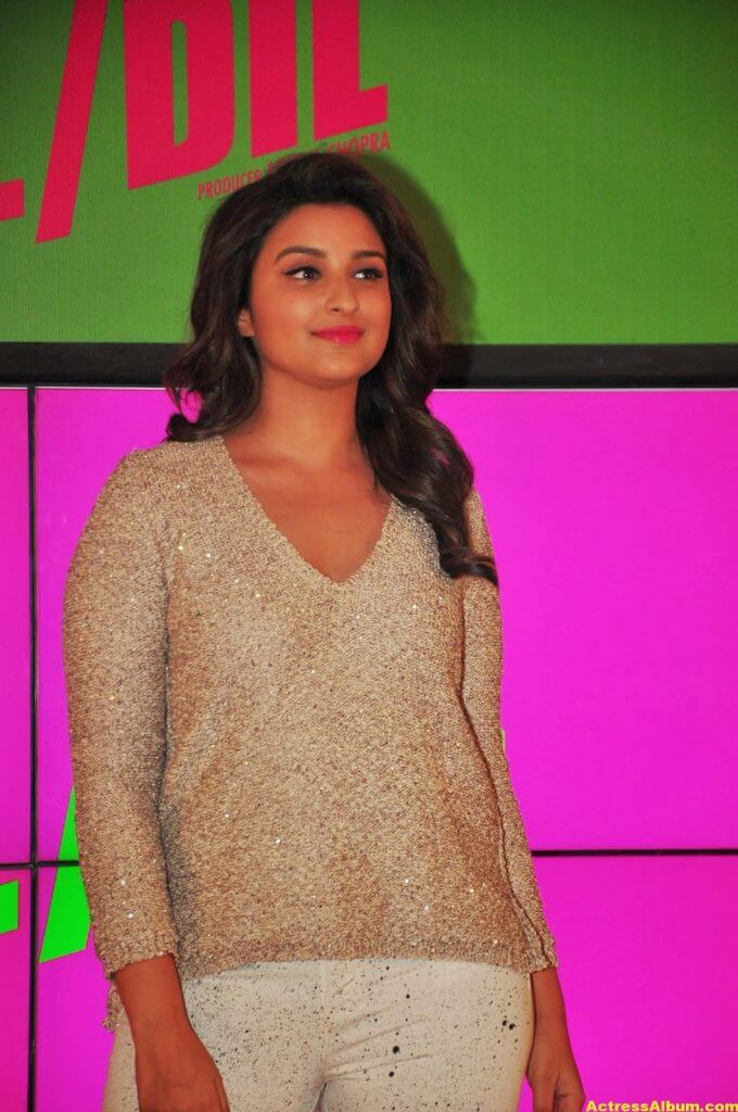 Parineeti Chopra Hot Photos In White Dress (1)
