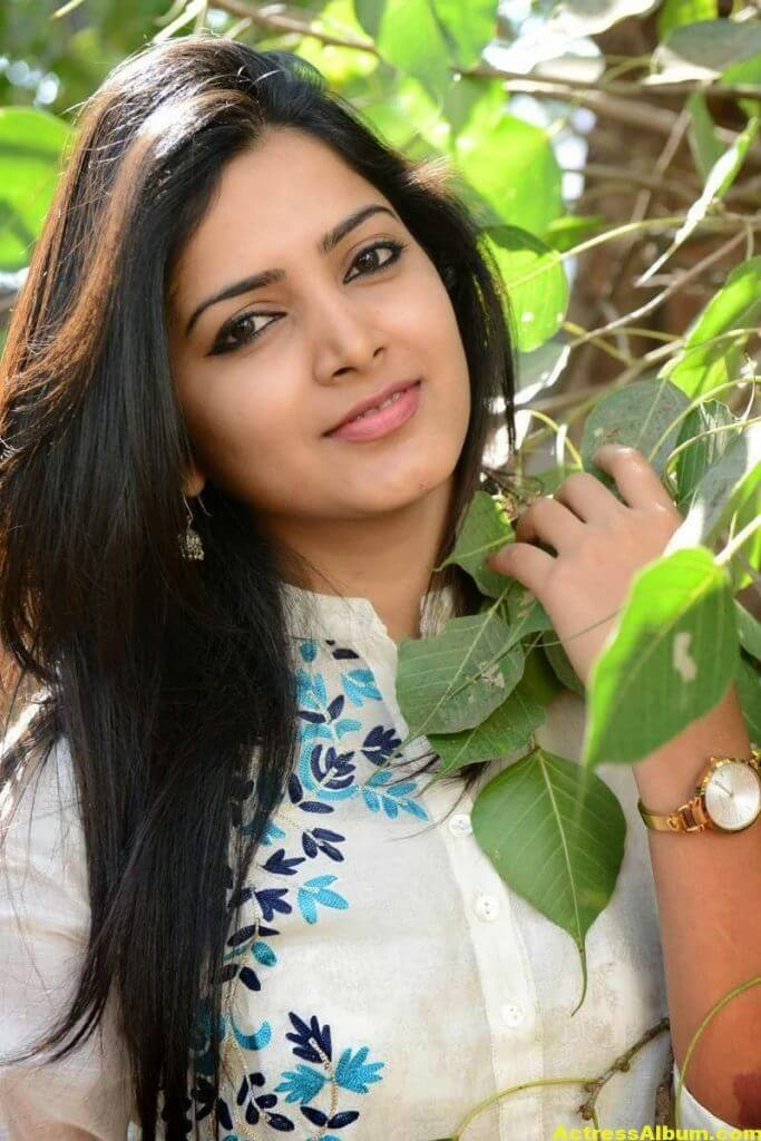 Pavani Gangireddy Hot Photos In White Dress 4