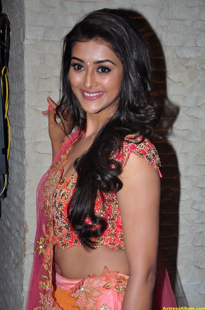 Pooja Jhaveri Hot Stills In Pink Dress 5