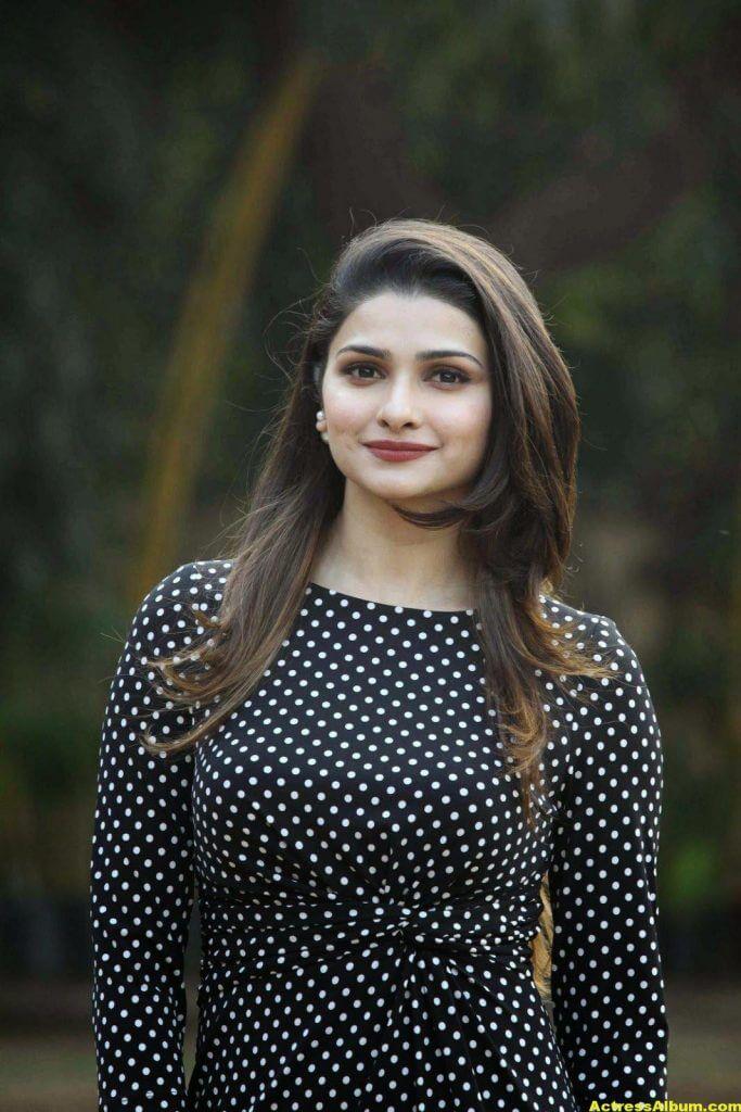 Prachi Desai Hot Photos In Black Dress (4)