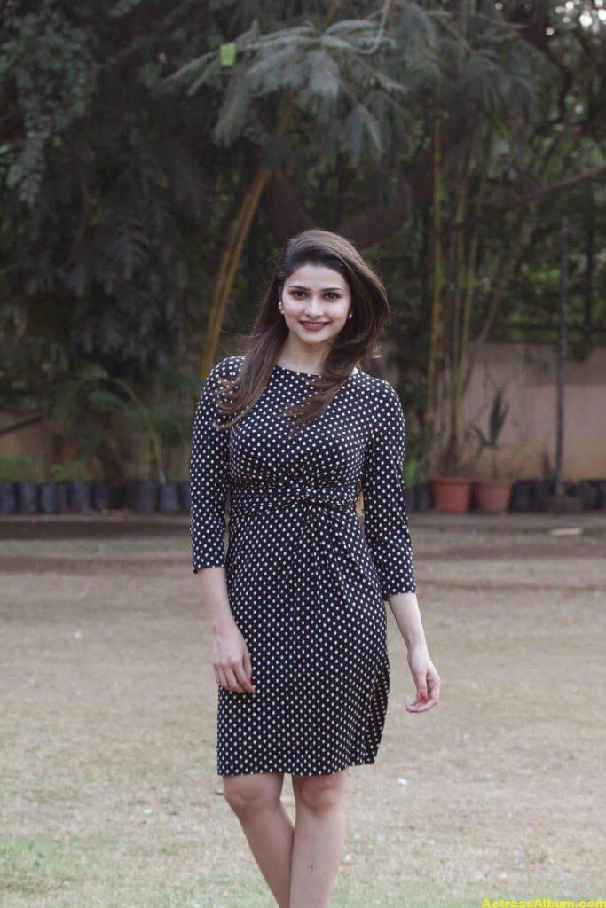 Prachi Desai Hot Photos In Black Dress (6)