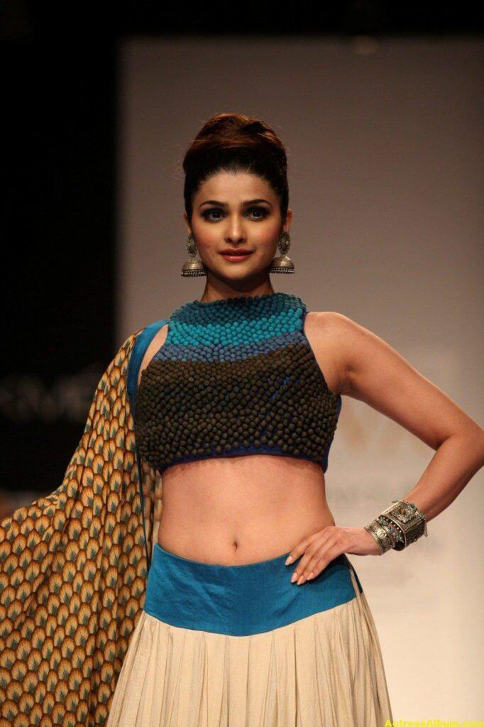 Prachi Desai Navel Show Photos In Blue Top (3)