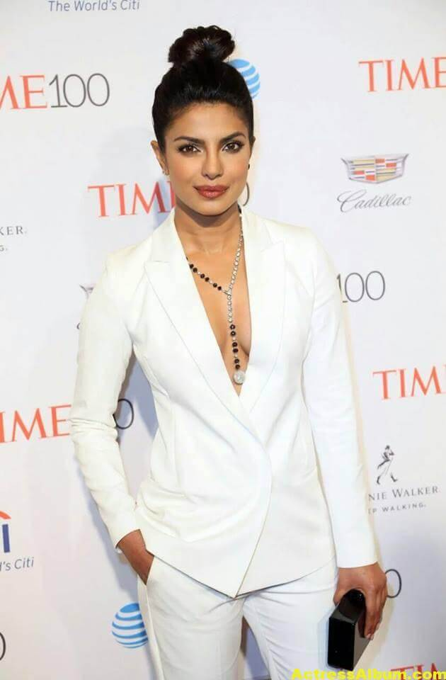 Priyanka Chopra Hot Images In White Shirt 1