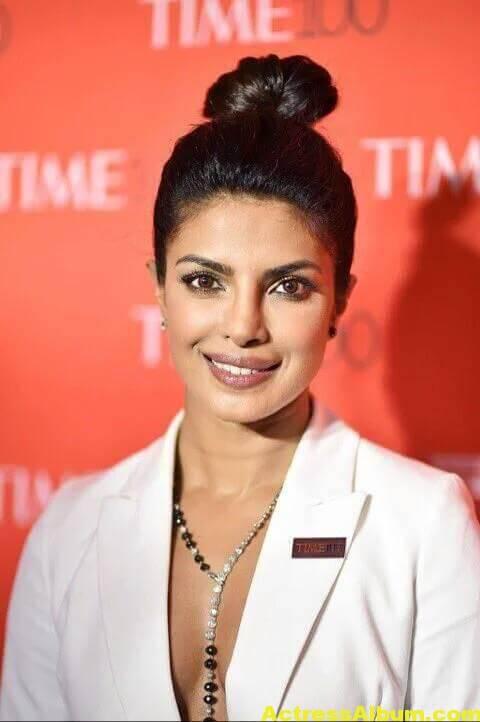 Priyanka Chopra Hot Images In White Shirt 4