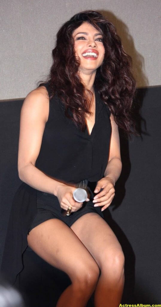 Priyanka Chopra Hot Legs Show Photos In Black Dress 4