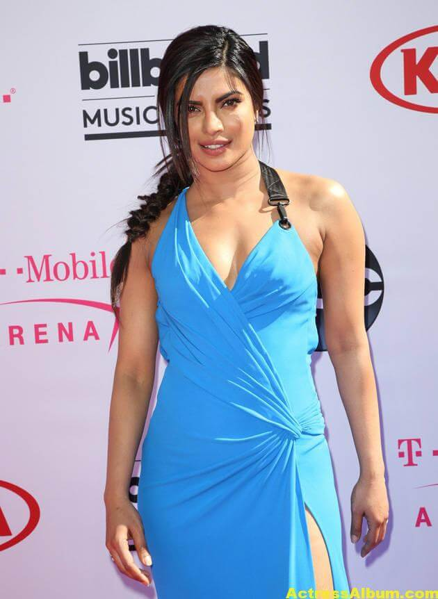 Priyanka Chopra Hot Photos In Blue Dress At Music Awards 4
