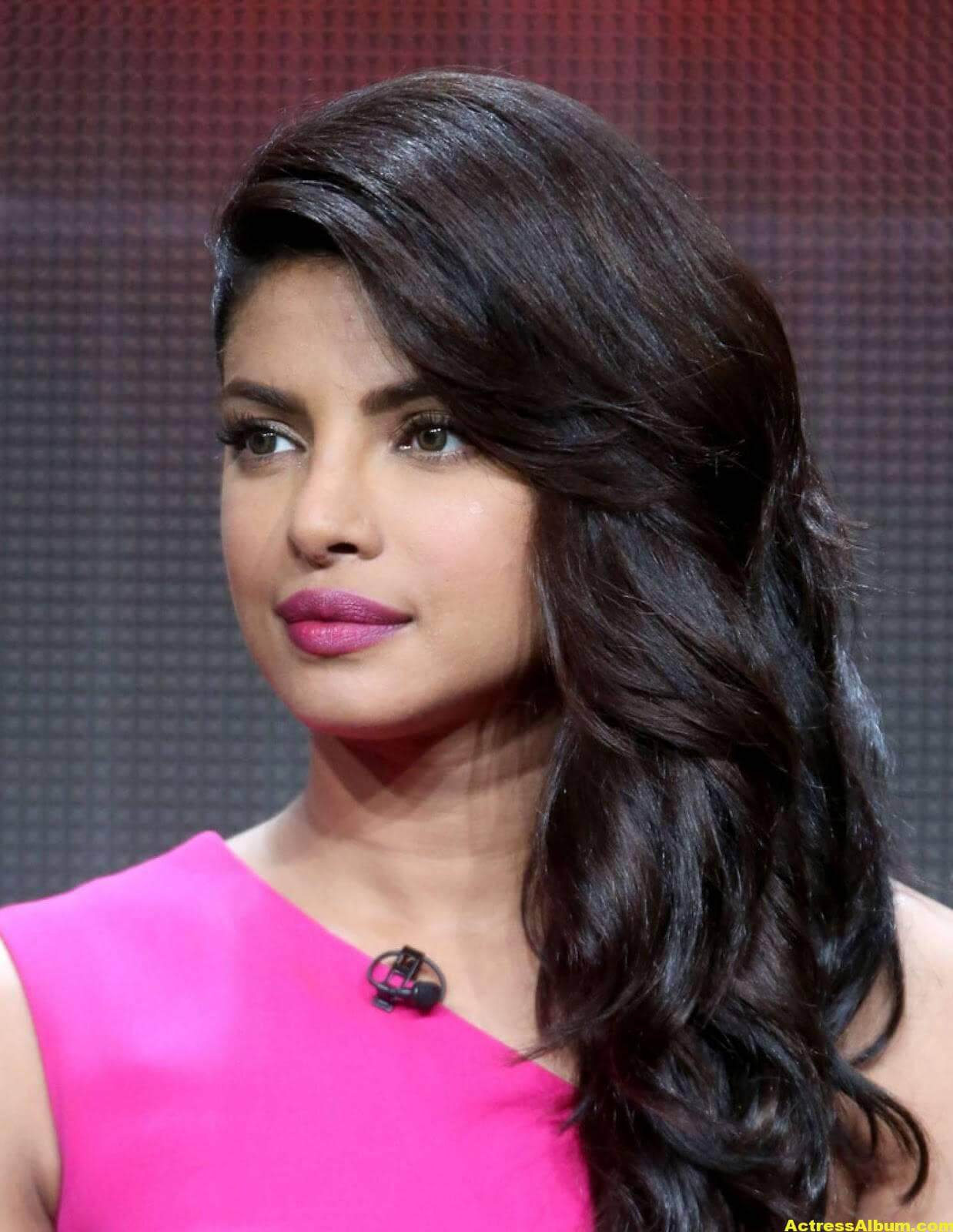 Priyanka Chopra Latest Pictures in Pink Dress