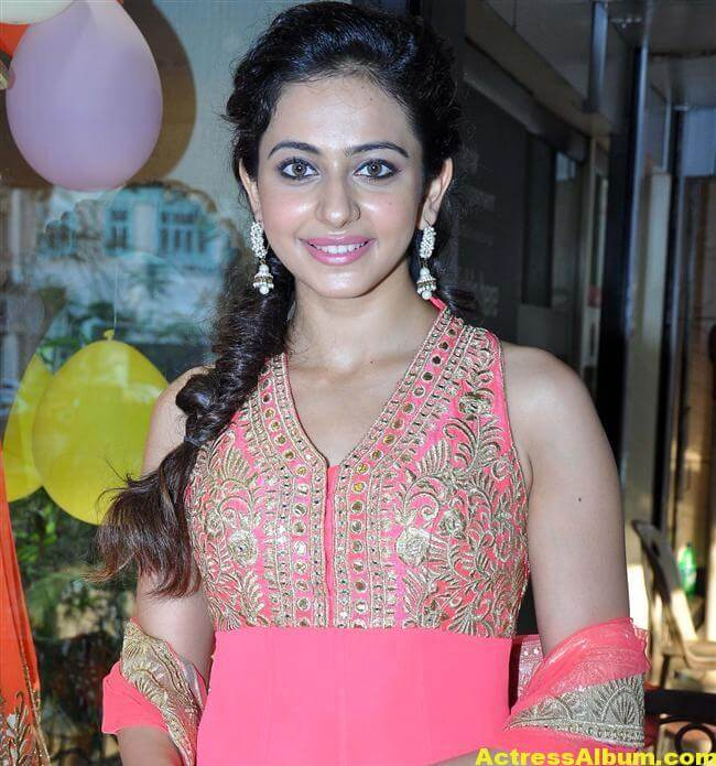 Rakul Preet Photos At Spring Summer 1