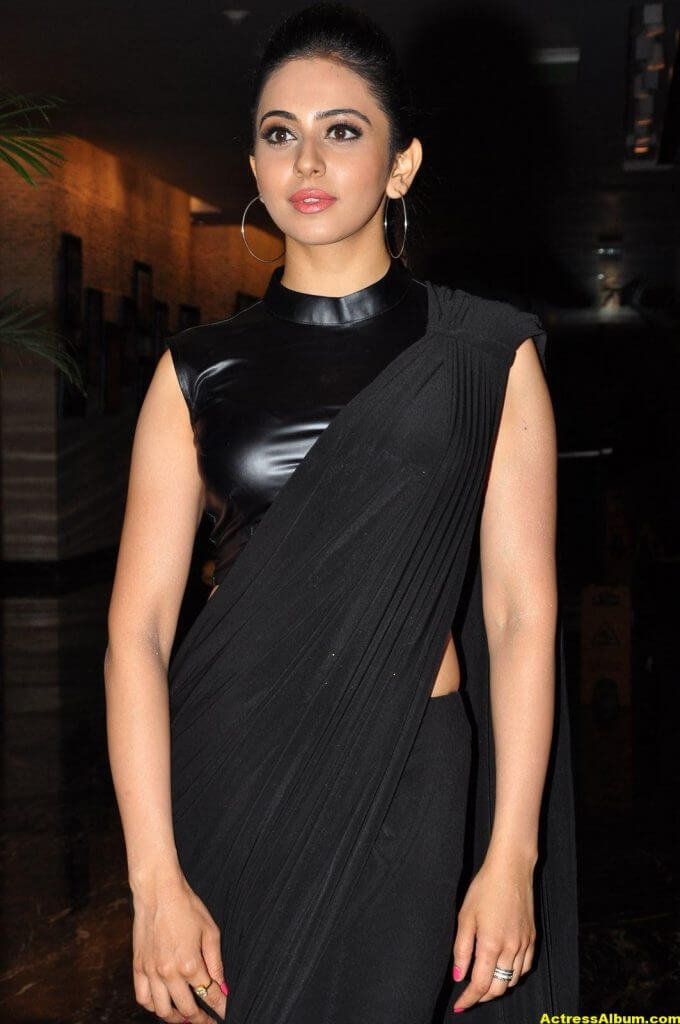 Rakul Preet Singh Hot Images In Black Saree 2