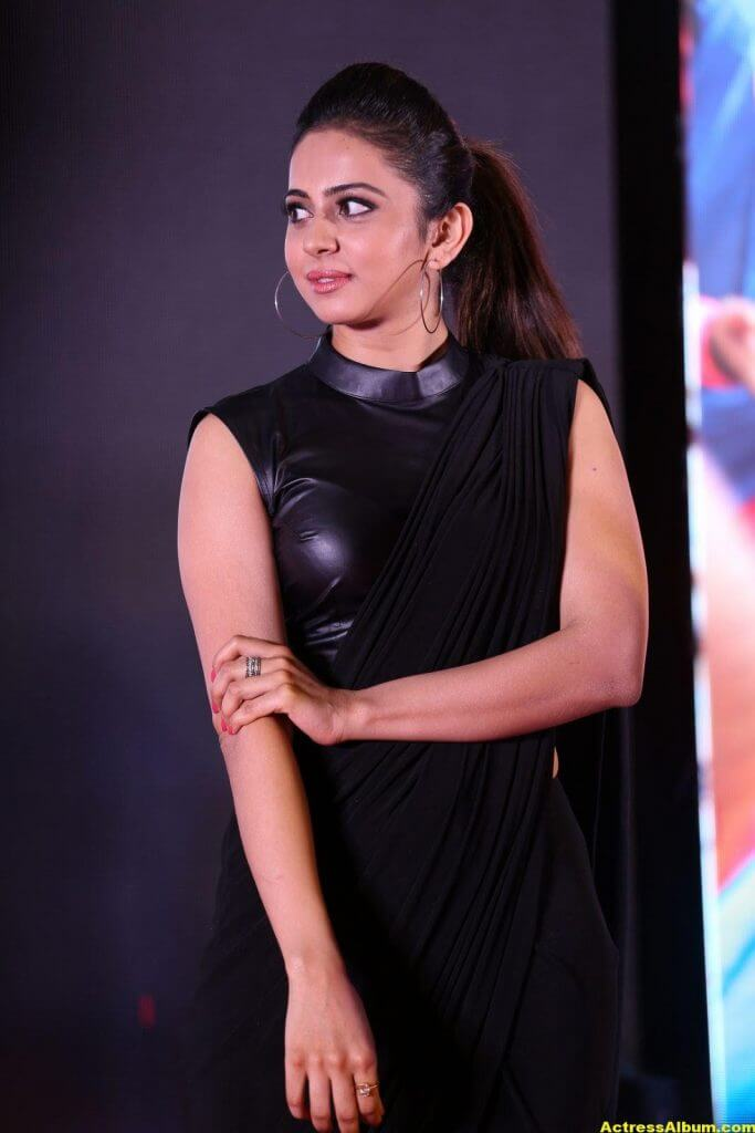 Rakul Preet Singh Hot Images In Black Saree 3