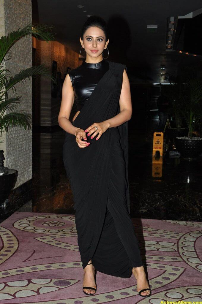 Rakul Preet Singh Hot Images In Black Saree 4