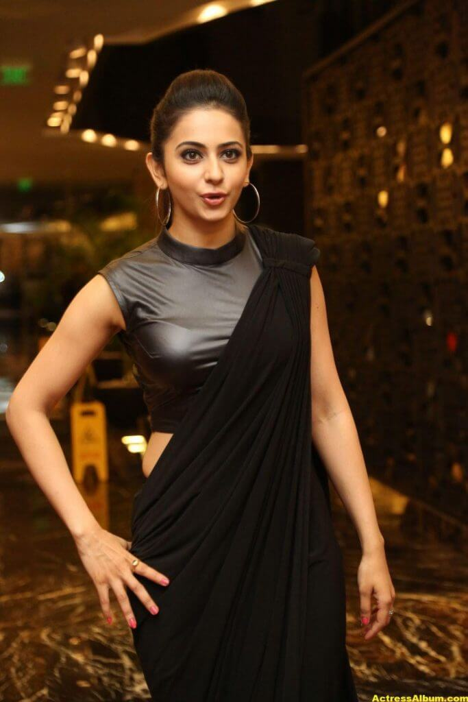 Rakul Preet Singh Hot Images In Black Saree 6