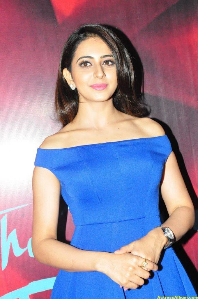 Dhruva Movie Actress