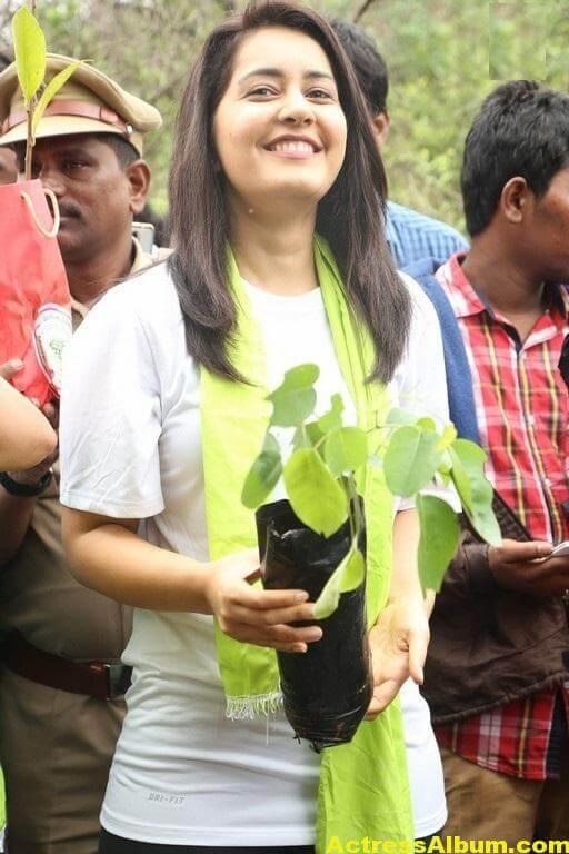 Rashi Khanna At Haritha Haram In KBR Park (1)