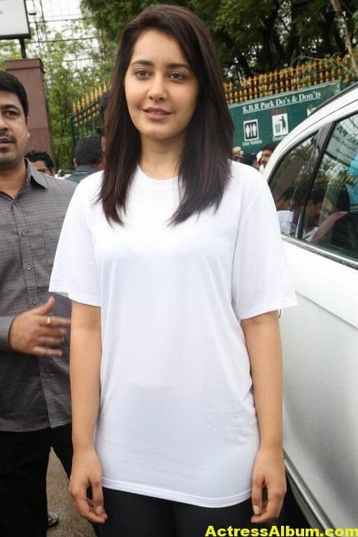 Rashi Khanna At Haritha Haram In KBR Park (10)