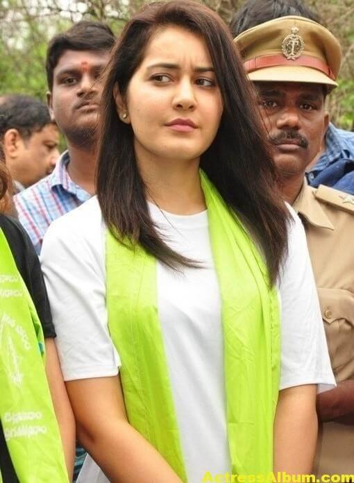 Rashi Khanna At Haritha Haram In KBR Park (2)