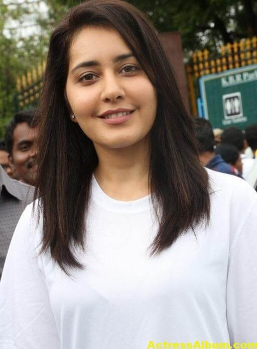 Rashi Khanna At Haritha Haram In KBR Park (4)