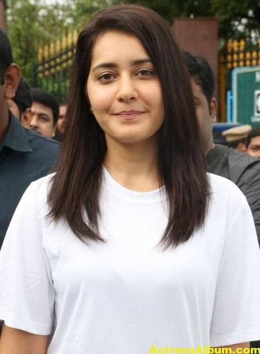 Rashi Khanna At Haritha Haram In KBR Park (7)