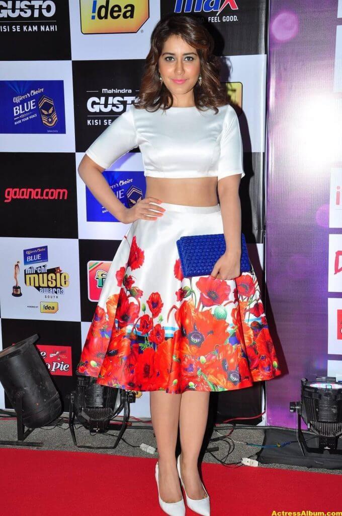 Rashi Khanna Photos at Mirchi Music Awards 2