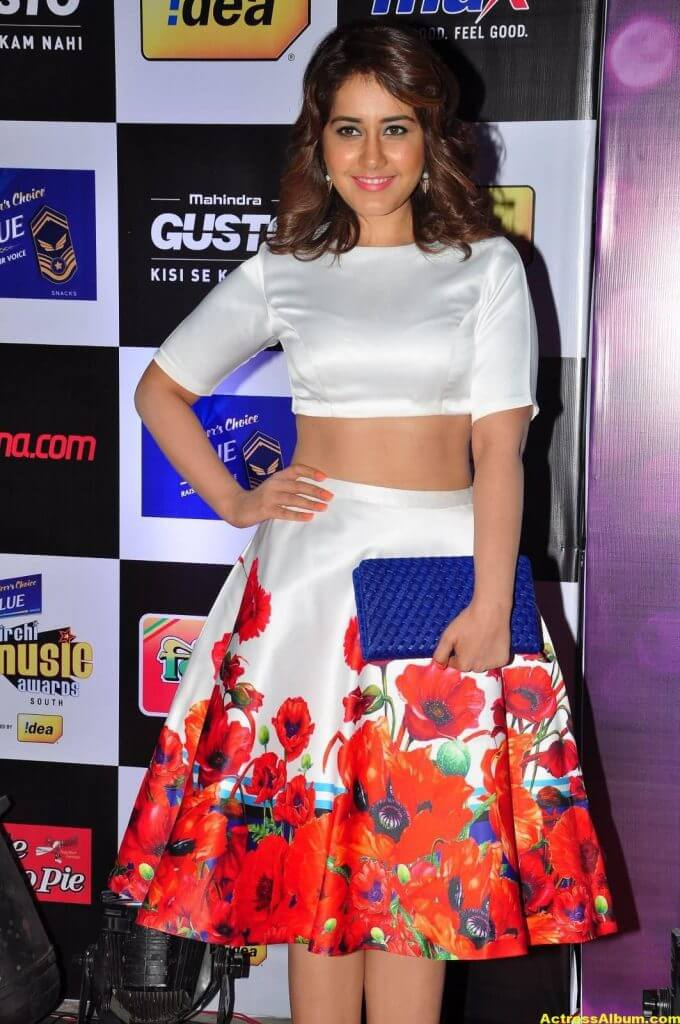 Rashi Khanna Photos at Mirchi Music Awards 3