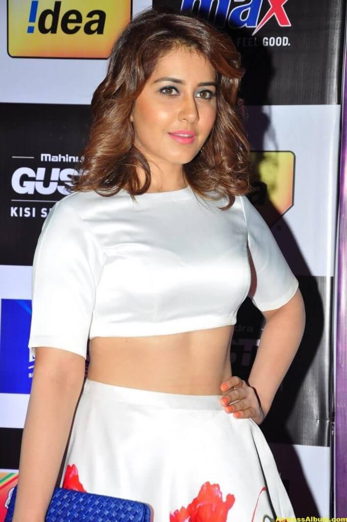 Rashi Khanna Photos at Mirchi Music Awards 5