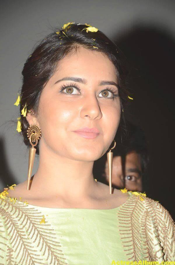 Rashi Khanna Photos At Movie Function In Green Dress 1