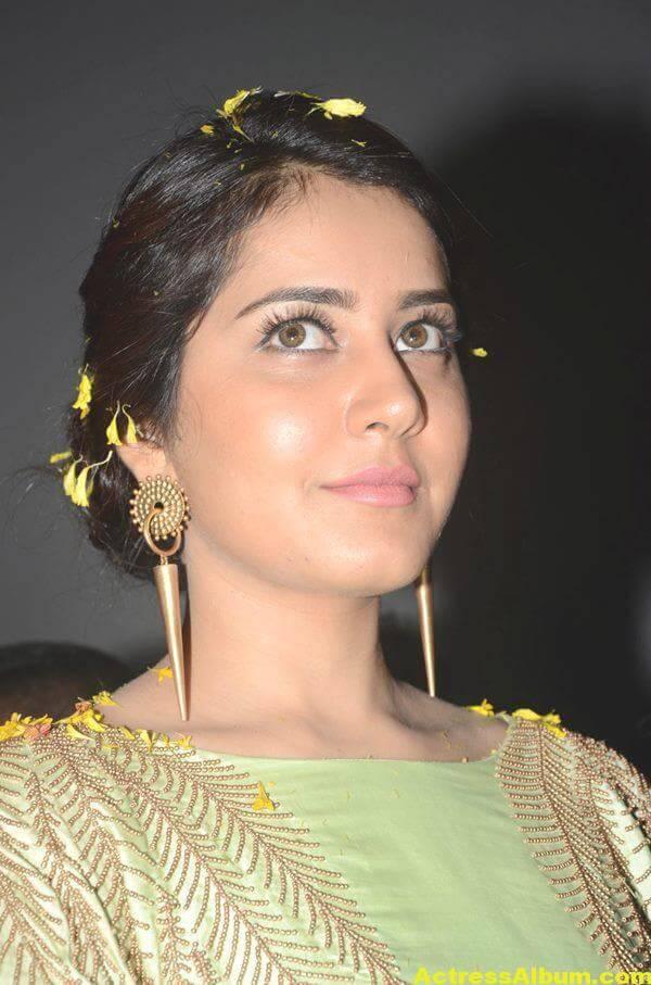Rashi Khanna Photos At Movie Function In Green Dress 3
