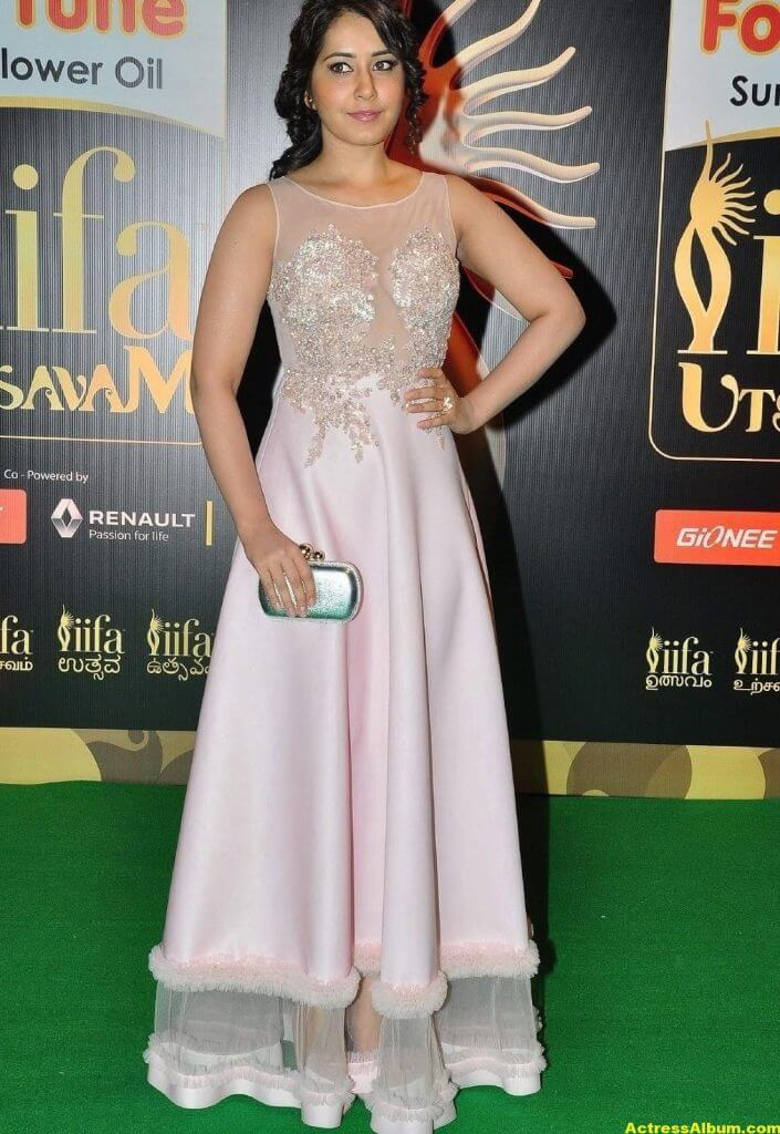 Rashi Khanna Stills At Iifa Utsavam 5