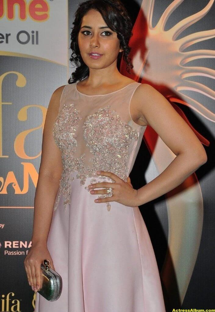 Rashi Khanna Stills At Iifa Utsavam 6