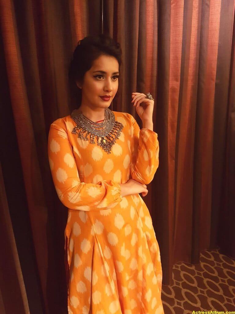Rashi Khanna Stills