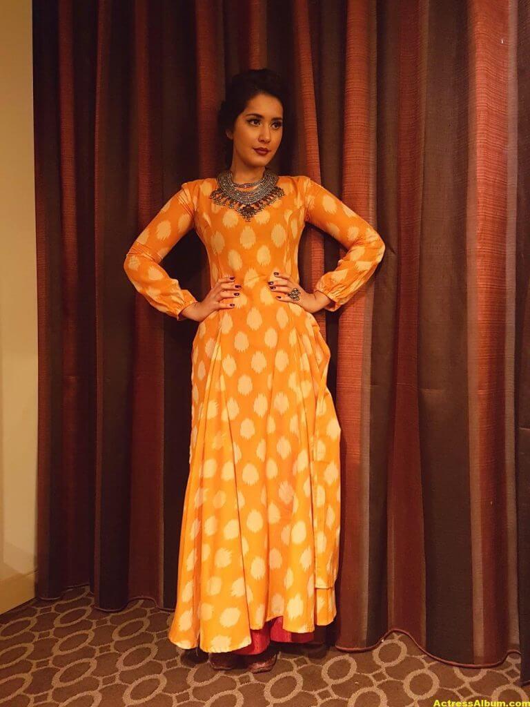 Rashi Khanna At Movie Awards