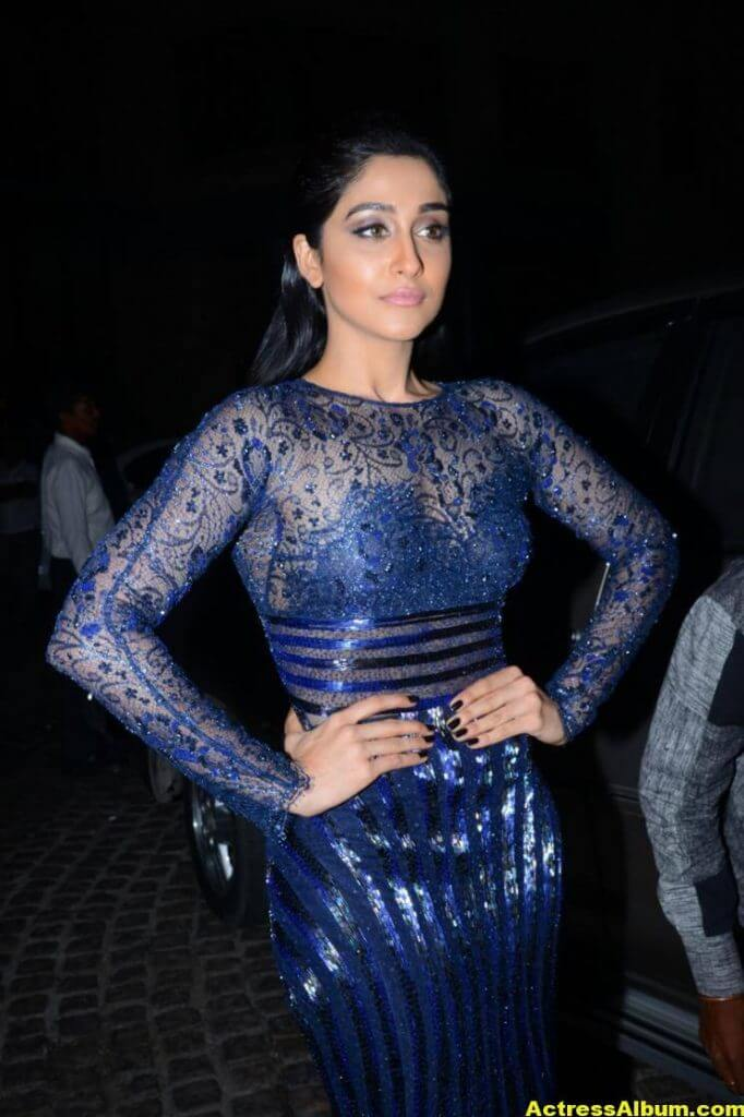 Regina Stills At Filmfare Awards In Blue Dress 9