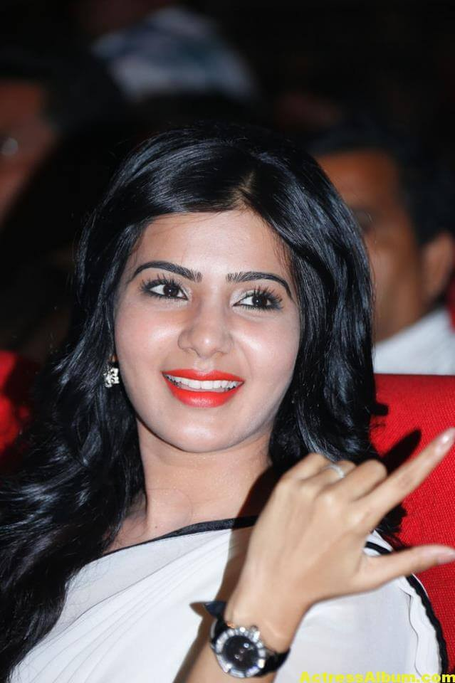 Samantha Hot In Navel Show Photos White Saree 2