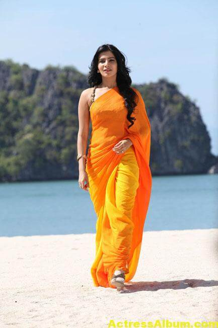 Samantha Hot Stills In Orange Saree 1
