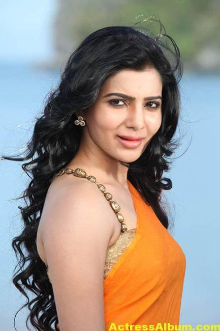 Samantha Hot Stills In Orange Saree 3