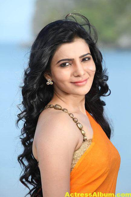Samantha Hot Stills In Orange Saree 4