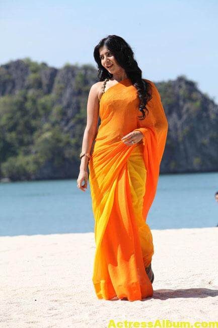 Samantha Hot Stills In Orange Saree 5