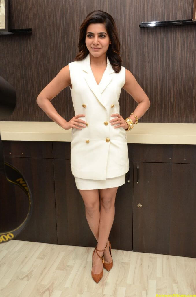 Samantha Hot Thigh Show Stills 5