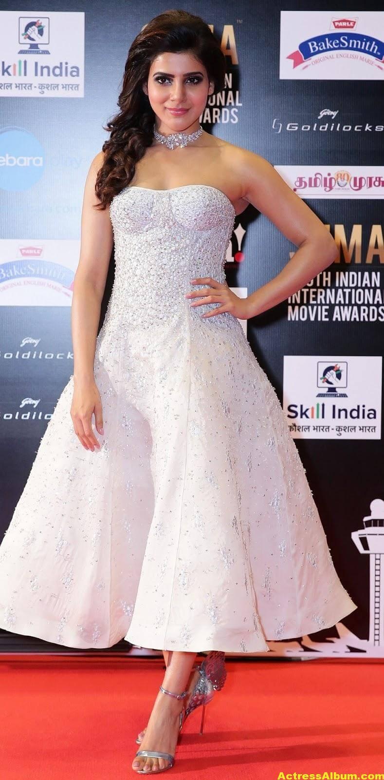 Samantha Photos In White Dress At SIIMA Awards