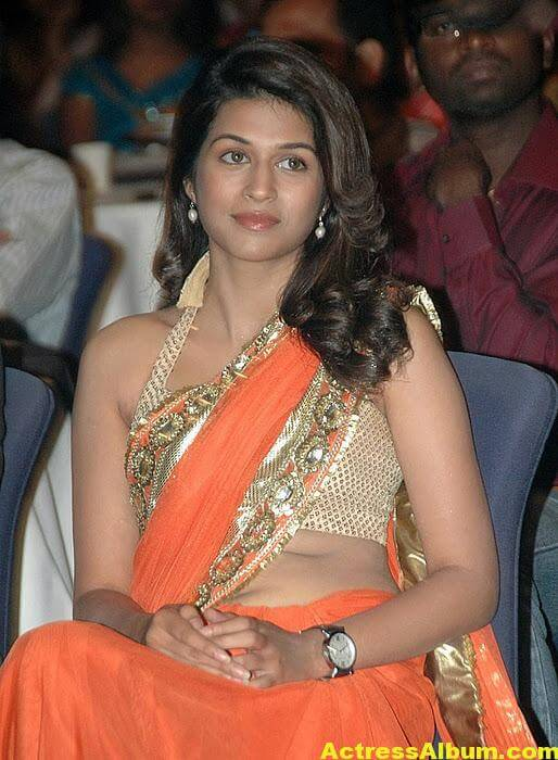 Shraddha Das Hot Spicy In Orange Saree 2
