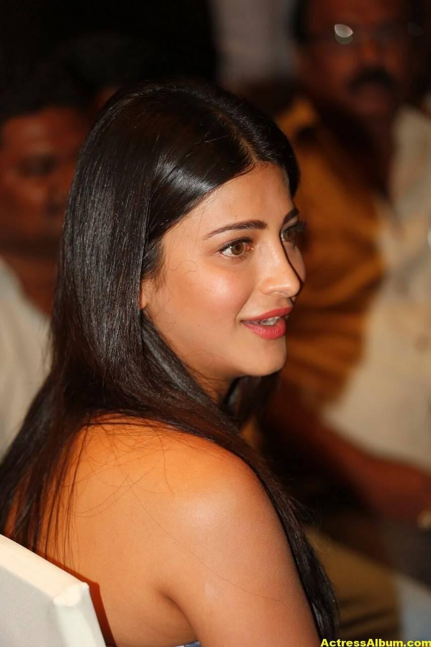 Shruti Haasan Latest Stills in Blue Dress 4