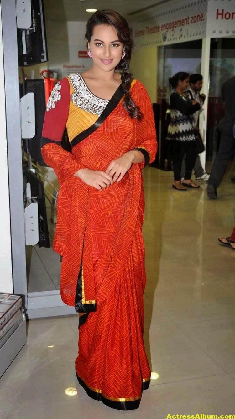 Sonakshi Sinha Latest Stills in Beautiful Saree 3