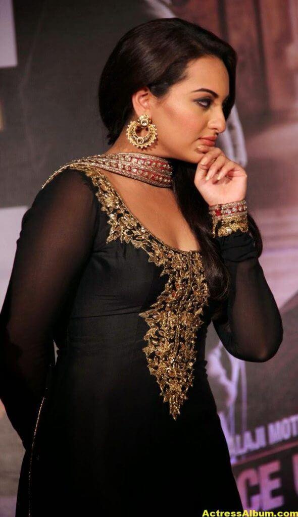 Sonakshi Sinha Looks Spicy In Black Dress 3