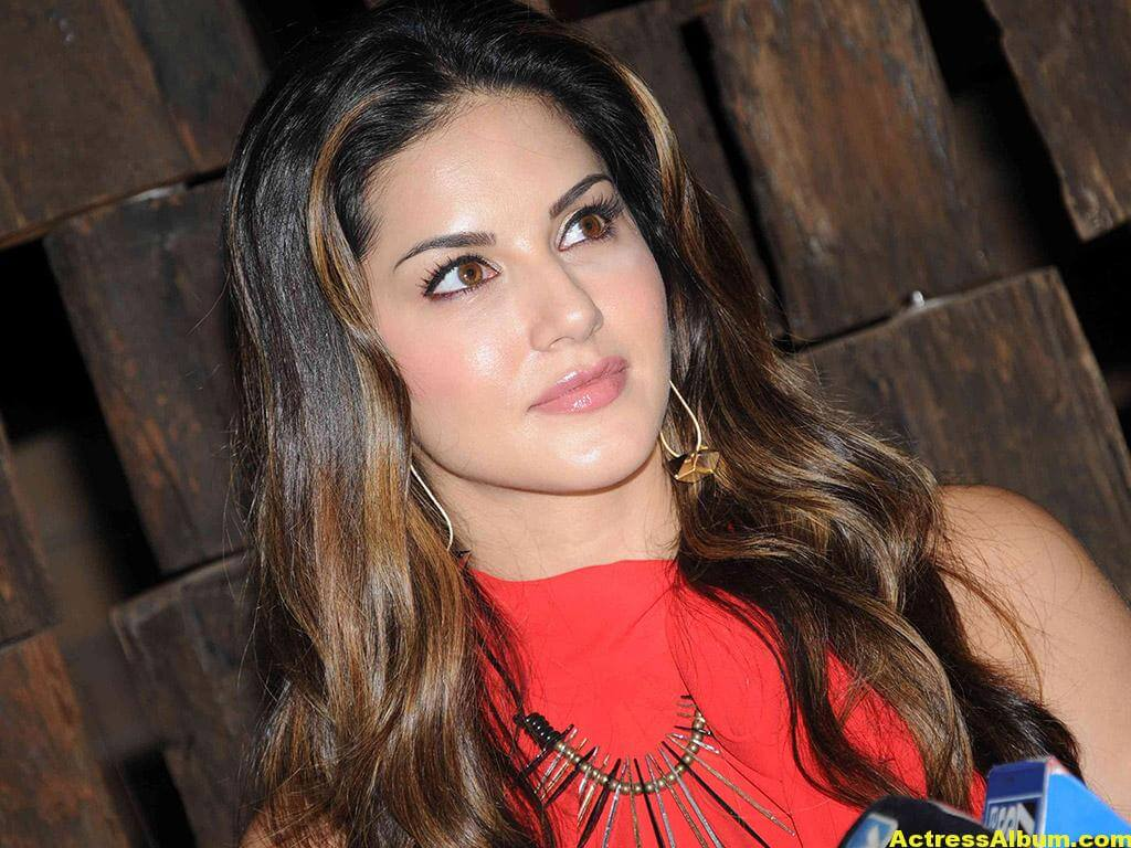 Sunny Leone Hot Cute Photos In Red Dress 1